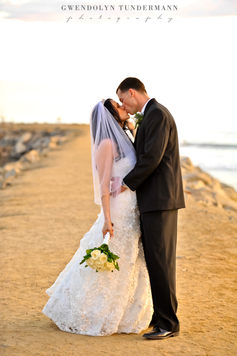 Del-Mar-Beach-Resort-Pendleton-Wedding-Photos-23