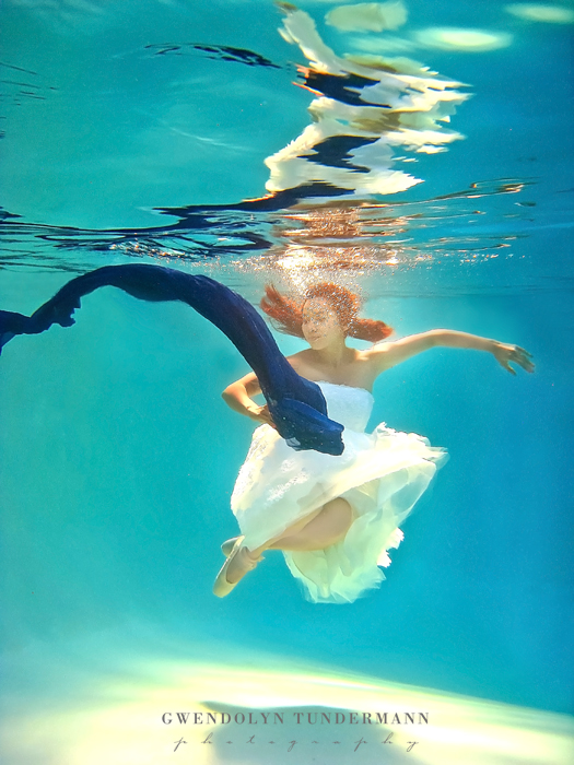 Underwater-Trash-The-Dress-Photos-02
