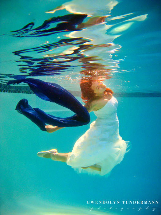 Underwater-Trash-The-Dress-Photos-05