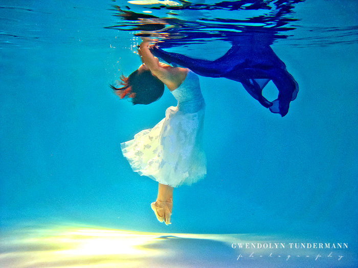 Underwater-Trash-The-Dress-Photos-07