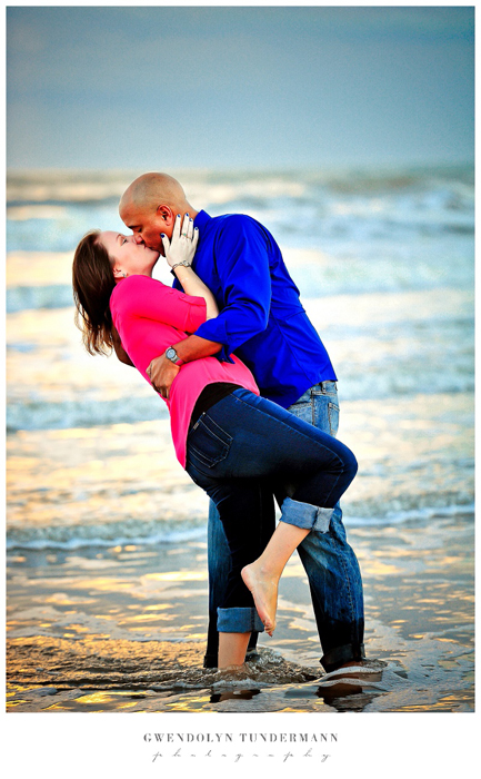 Cocoa-Beach-Engagement-Photos-09