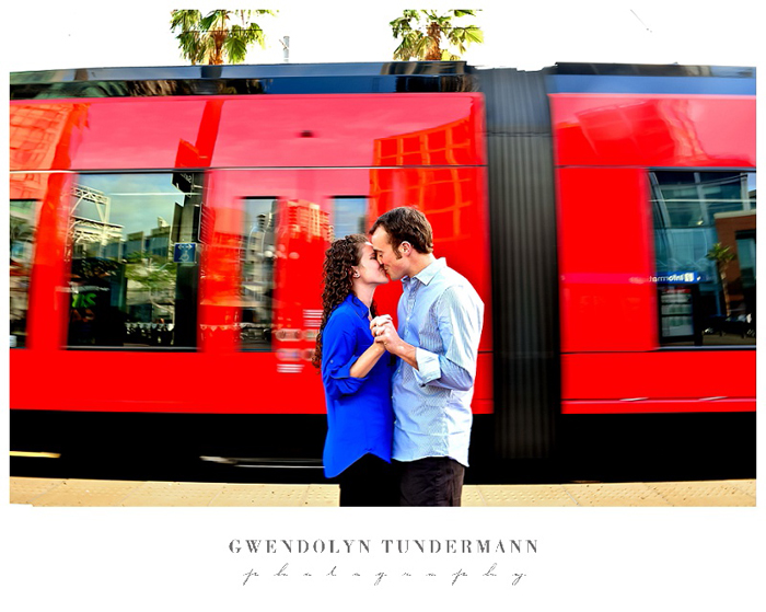 San-Diego-Gaslamp-Engagement-Photos_02