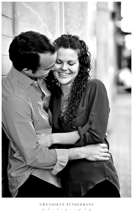 San-Diego-Gaslamp-Engagement-Photos_06